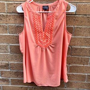 Market & Spruce Embroidered Sleeveless Top L